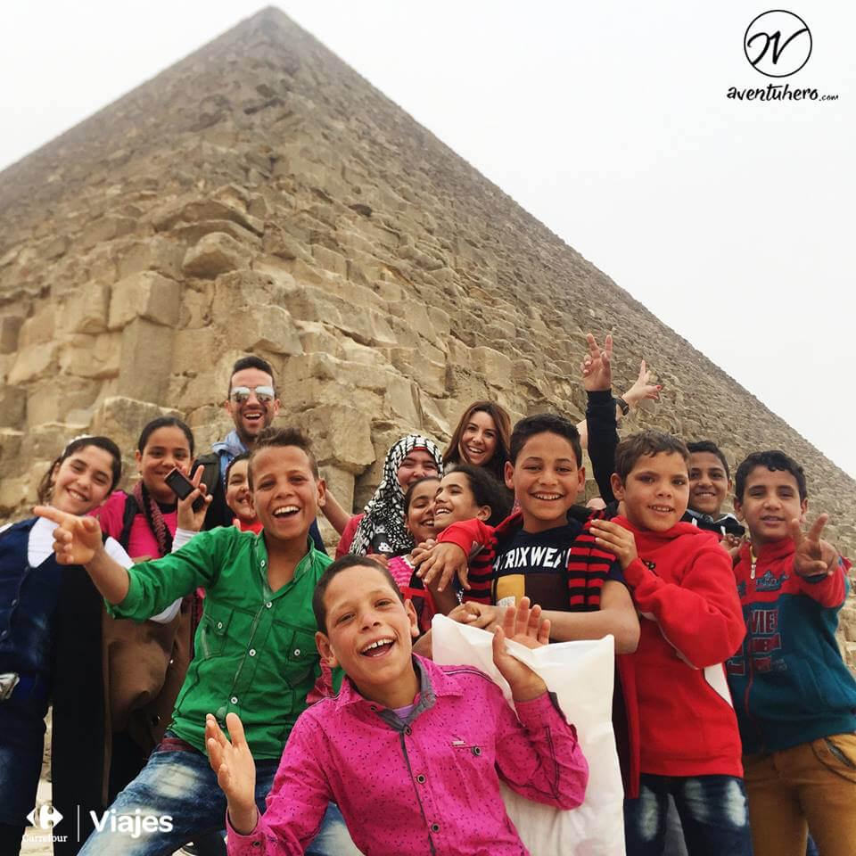 Rodeados en la Pirámide de Guiza