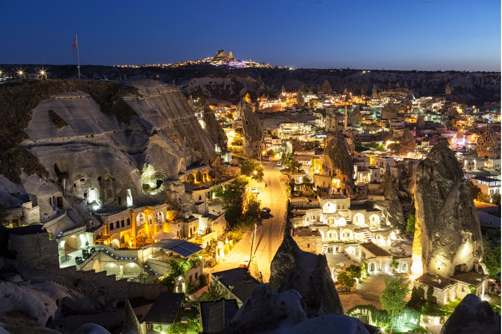 Visita a Capadocia, Panorámica nocturna de Goreme