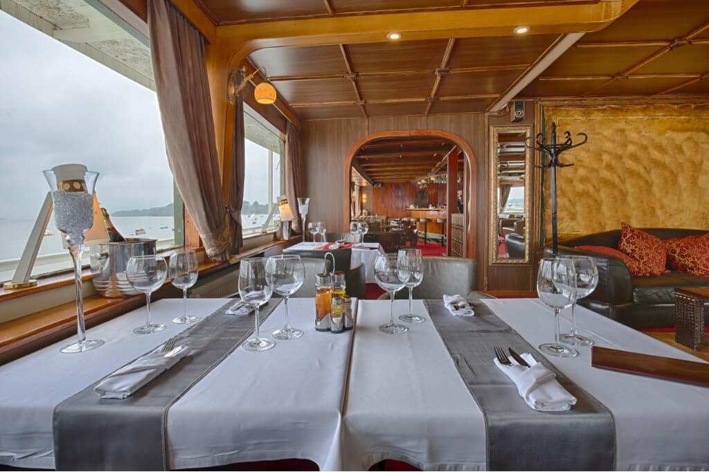 viaje en crucero, Restaurante de lujo a bordo de crucero