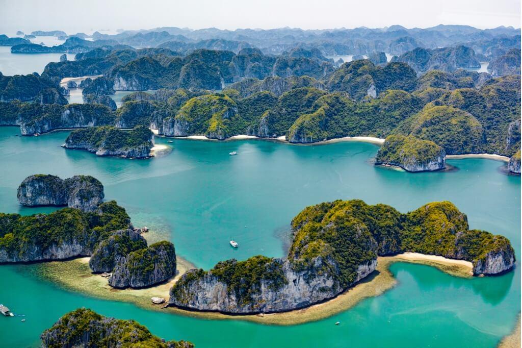 lugares mágicos, Islas de Halong en Vietnam
