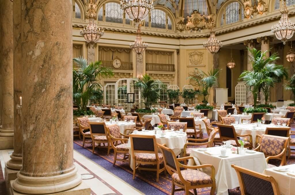 viaje a París, Restaurante de lujo