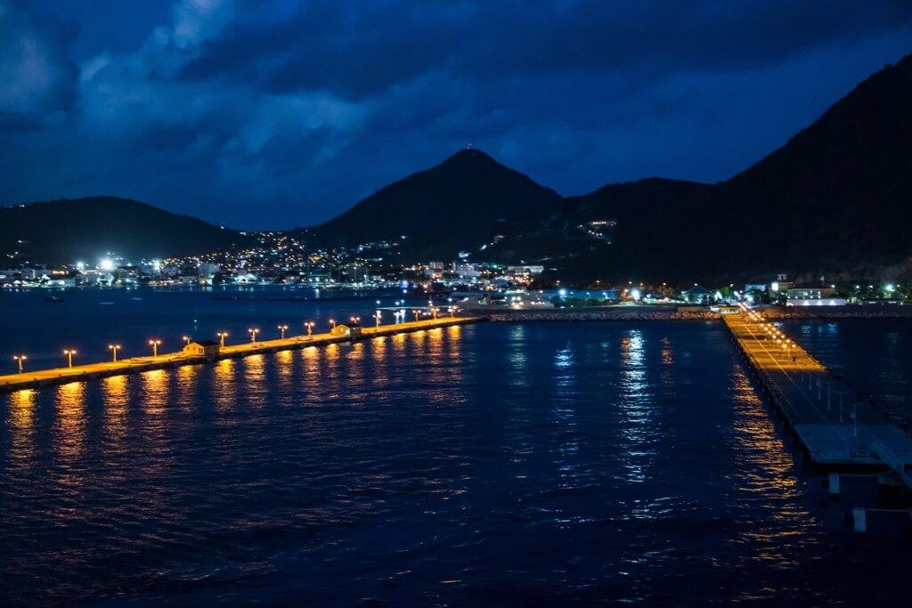Vuelos al Caribe, Puerto de St. Marteen de noche