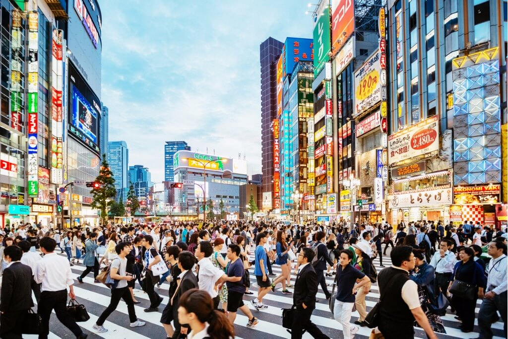 Grandes escalas, Paseo de de cebra Shinjuku en Tokyo