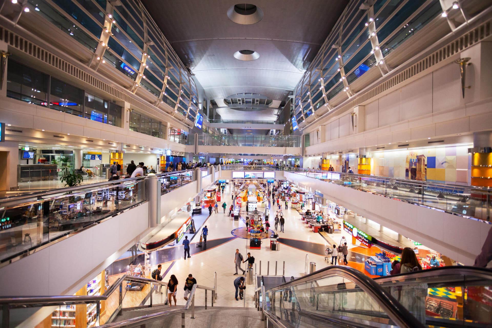 Grandes escalas terminal aeropuerto dubai