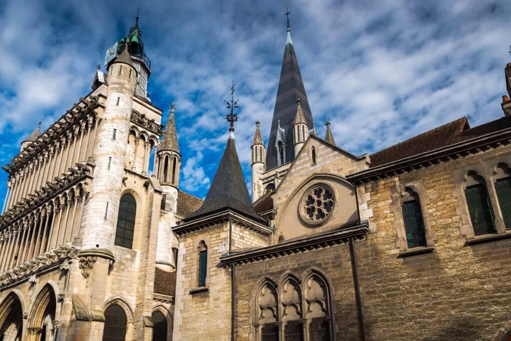 Viaje a Dijon, Iglesia de Nuestra Señora de Dijon