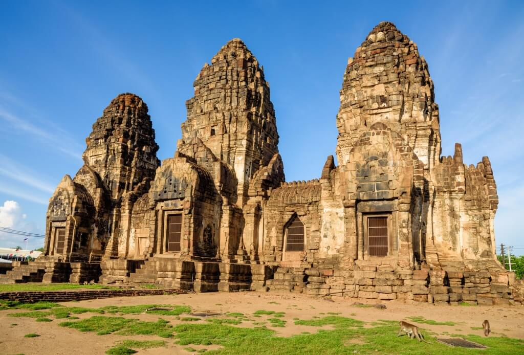 Festival de los Monos, Templo Phra-prang-sam-yot