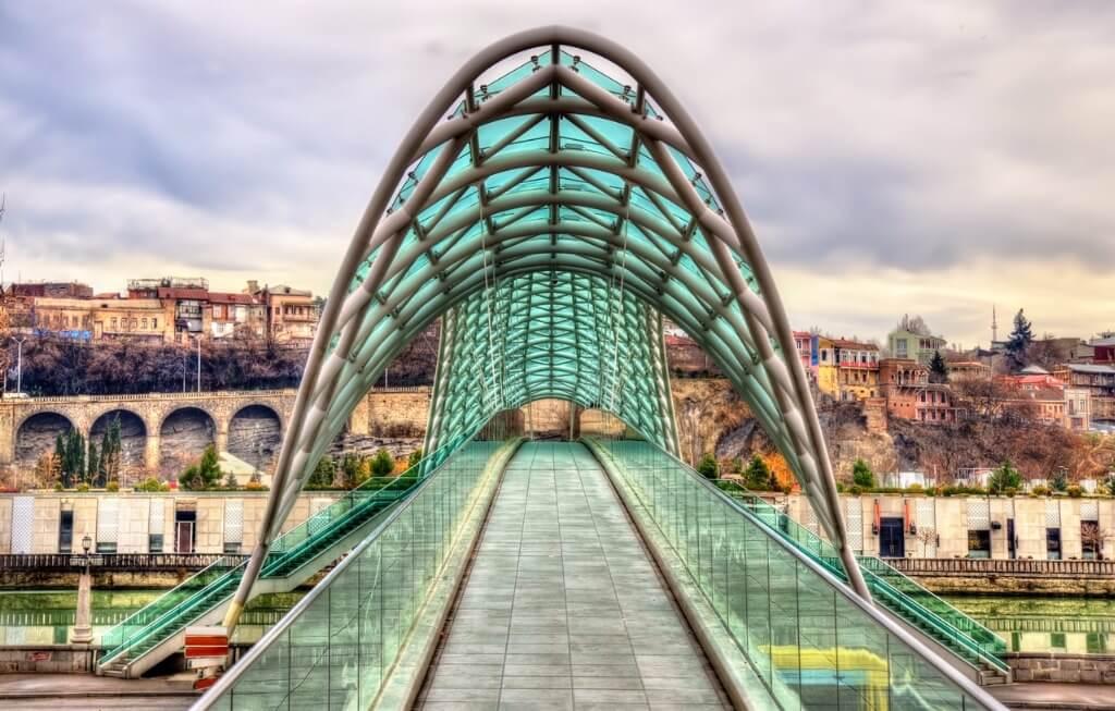 Tiflis, Puente de la Paz