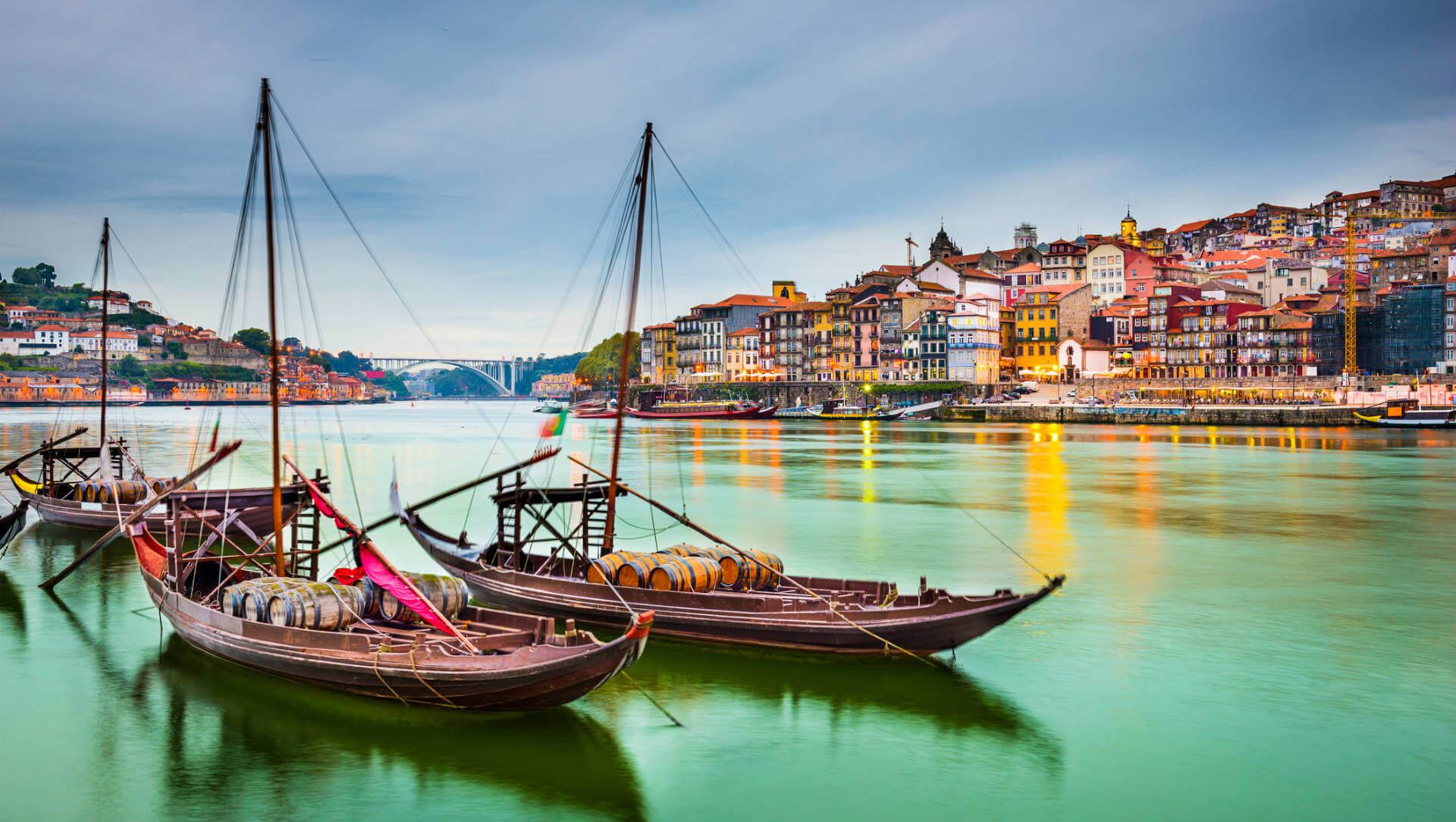 vuelos a portugal oporto