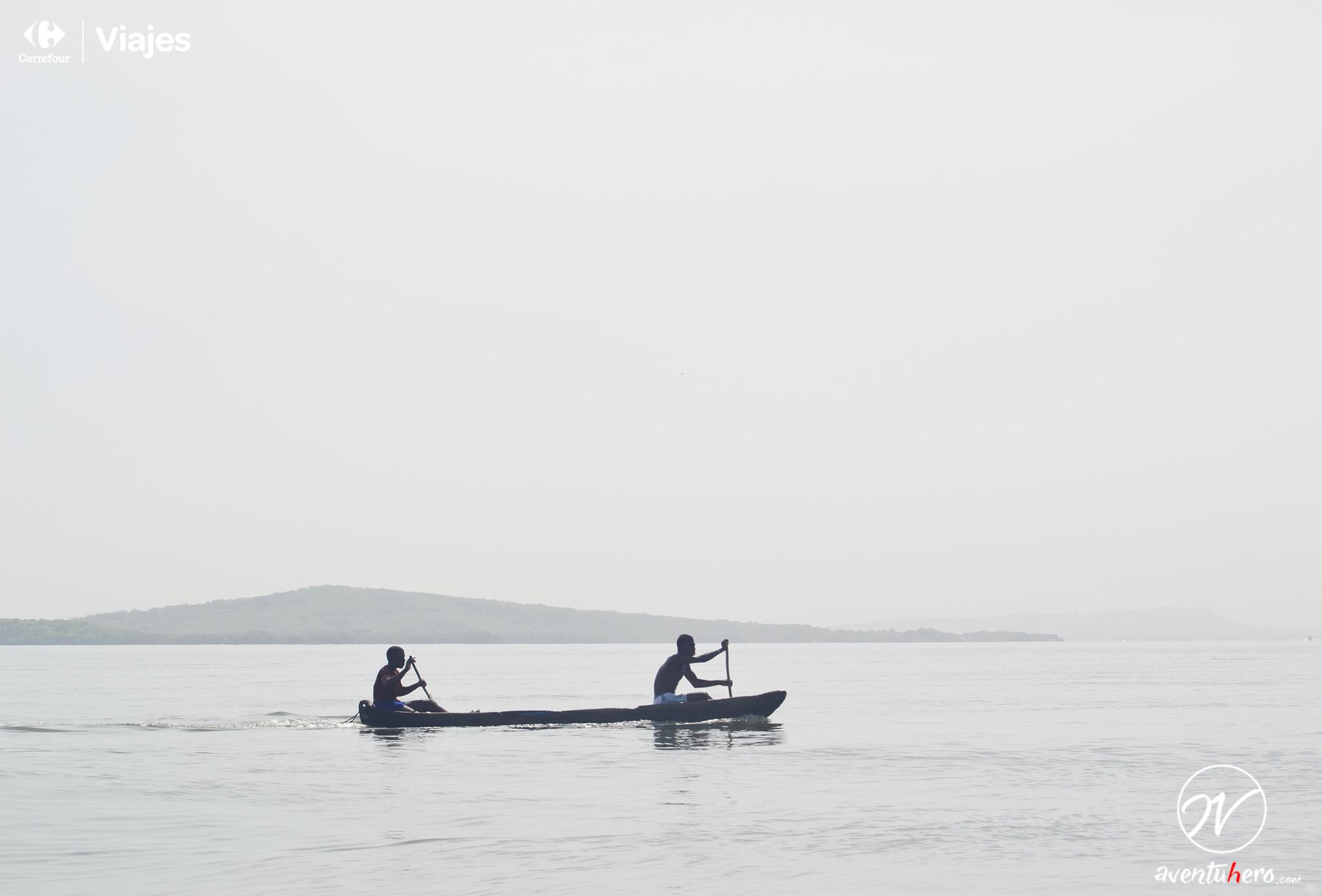 Remeros en Islas de Rosario, Colombia