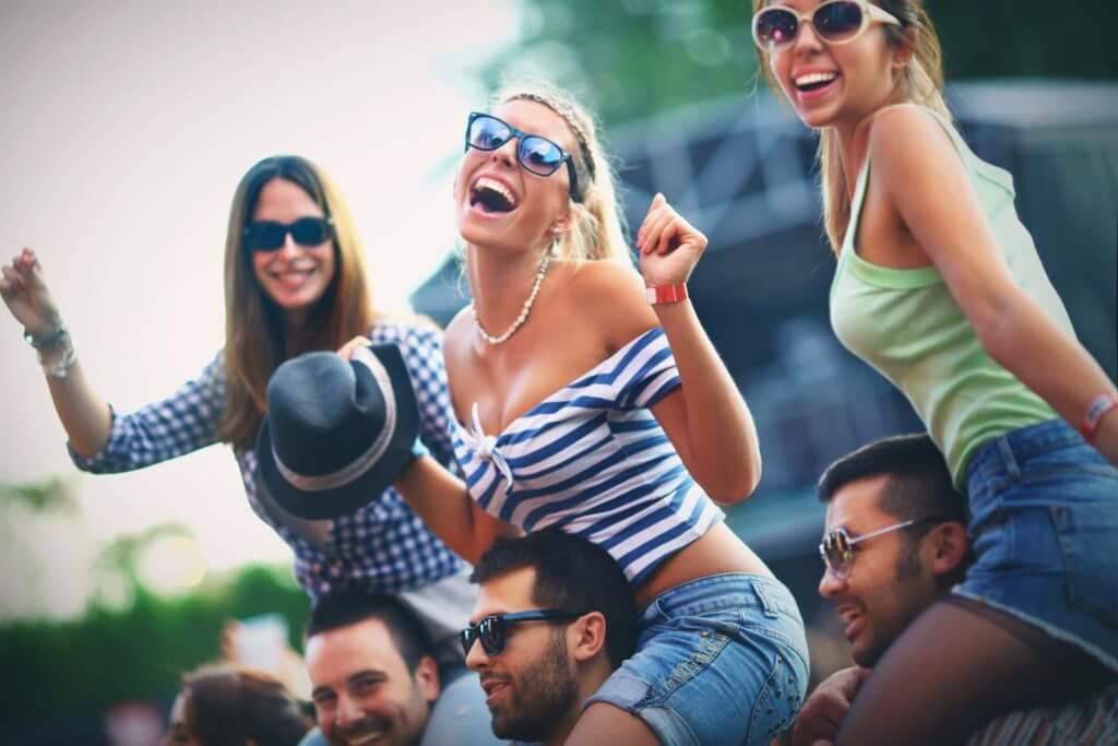 Festivales, Jóvenes en un concierto