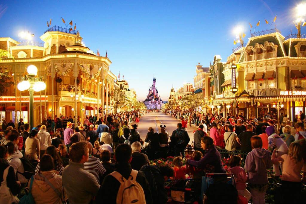 Viaje a Disneyland París, Desfile en Disneyland