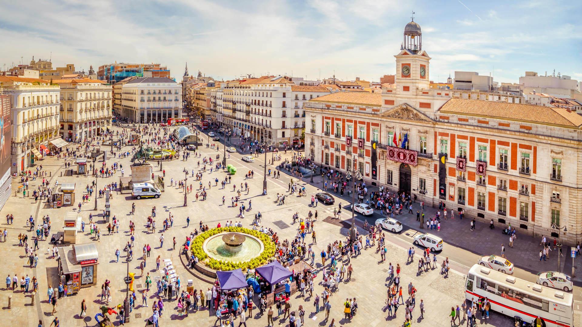 Si vas a viajar a madrid debes visitar el restaurante m s for Puerta de sol en directo