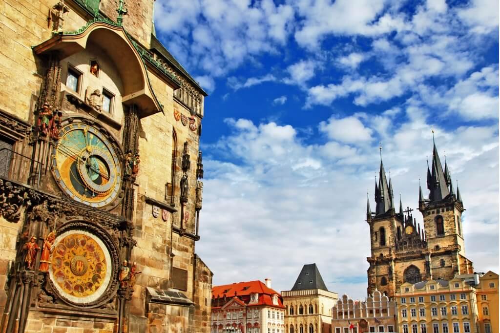 Vuelos a Praga, Reloj Praga