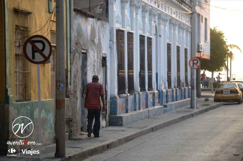 Calle Santa Marat