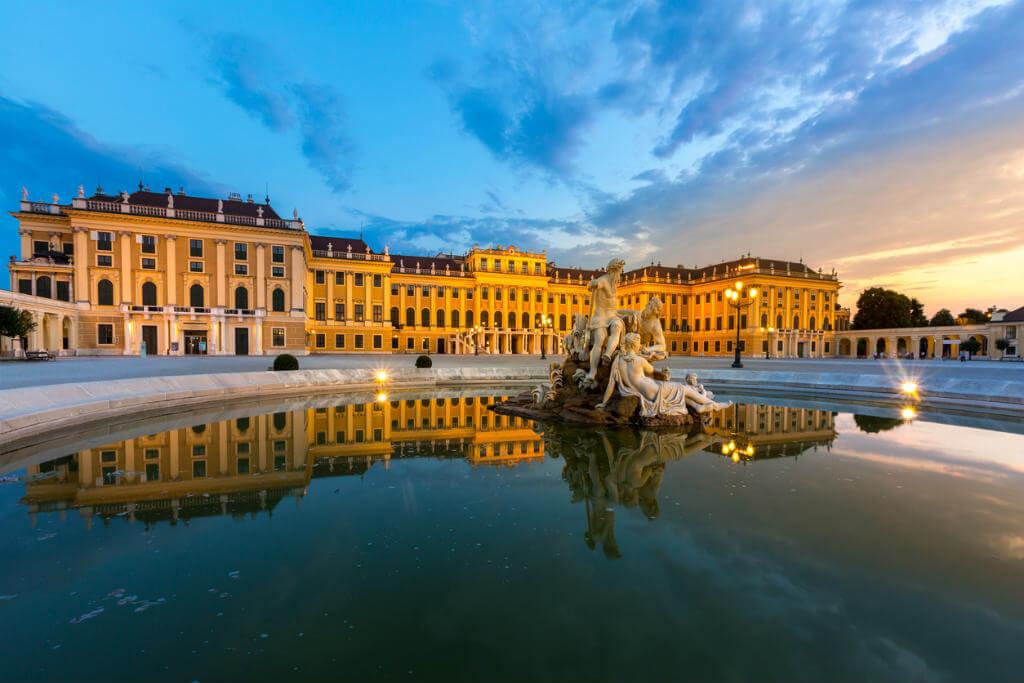 Crucero por el Danubio, Palacio de Shobrunn