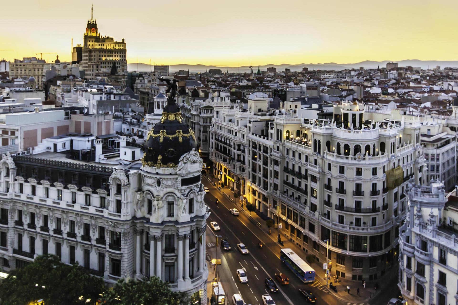 planes baratos madrid edificios gran via madrid