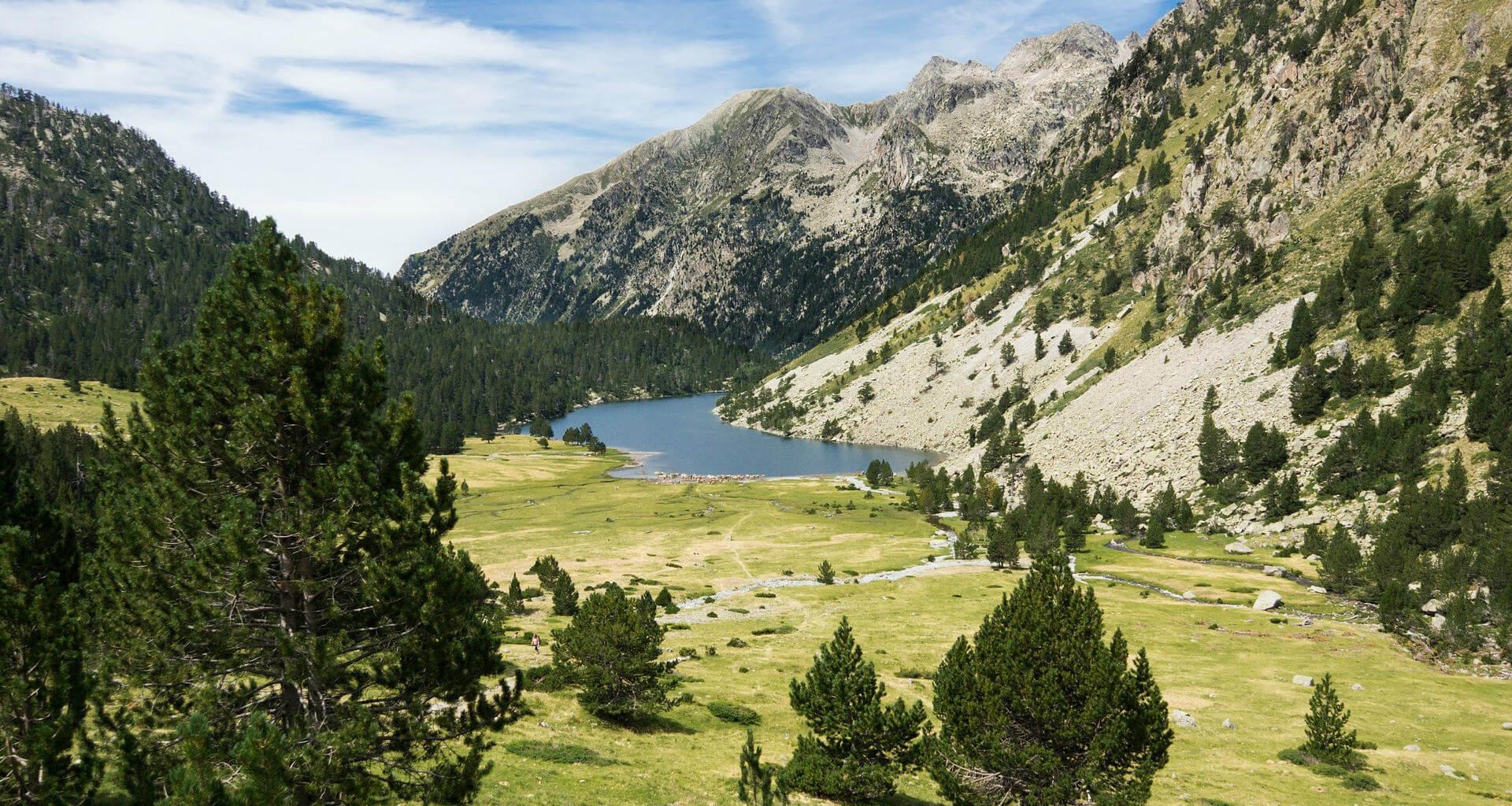 viajar a lerida paisaje montana lerida