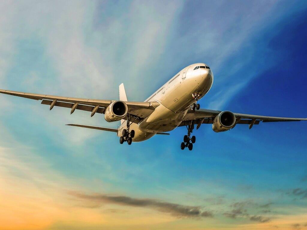 Viajar en avión, Avión en vuelo