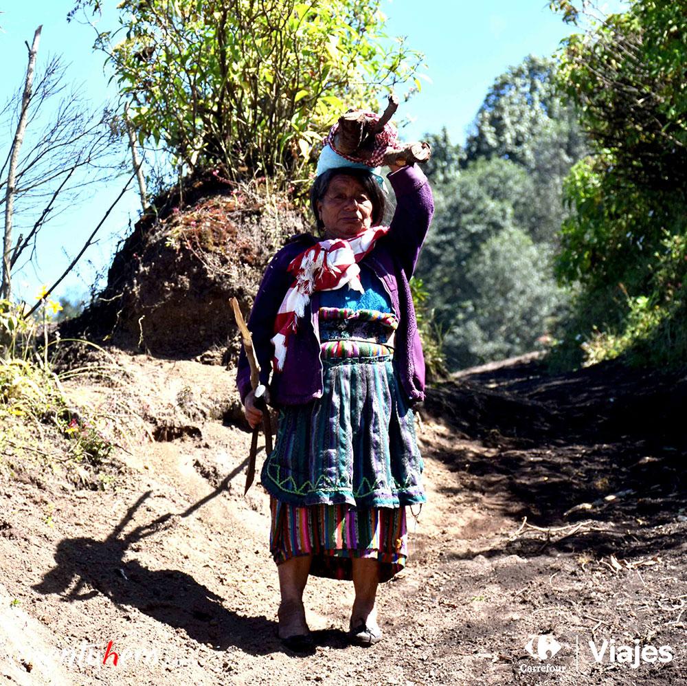 Aventuhero enGuatemala, acepta sus bastones