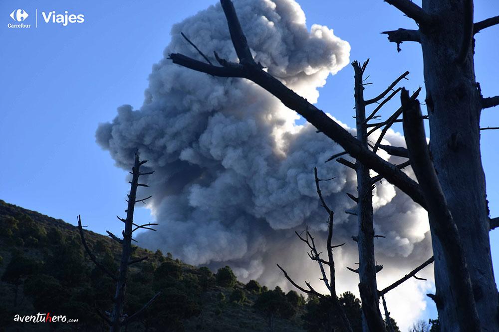 Aventuhero en Guatemala Primera erupcion del Volcan de Fuego