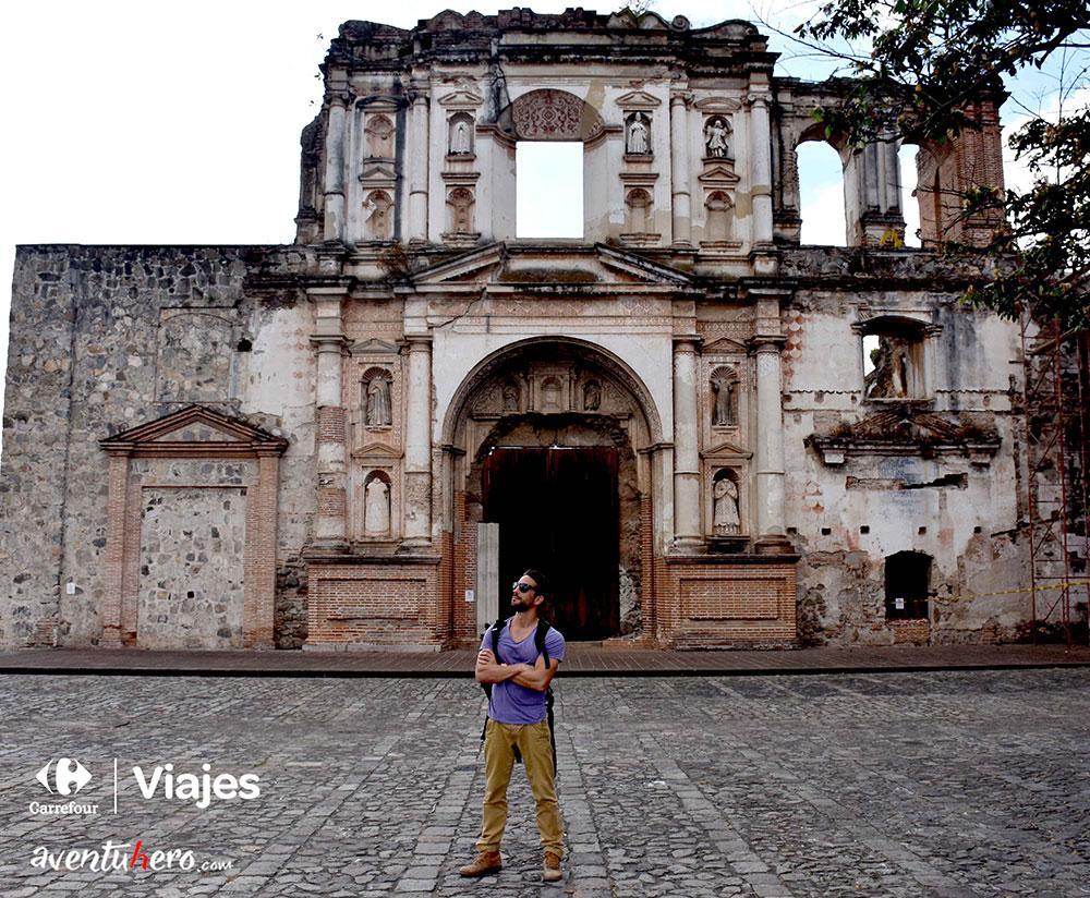 Aventuhero en Guatemala, Fachada en Antigua