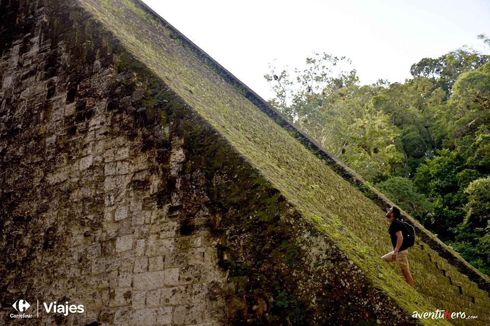 Aventuhero Guatemala Escaleras Templo III