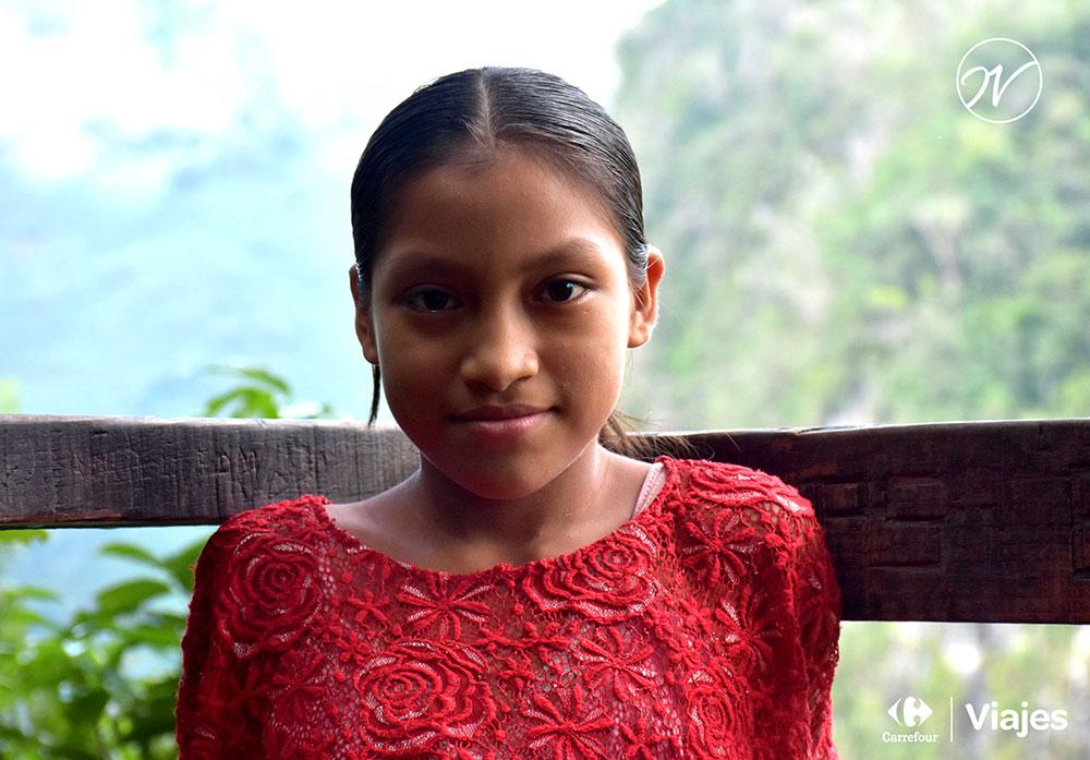 Aventuhero Guatemela Luisa en Semuc Champey