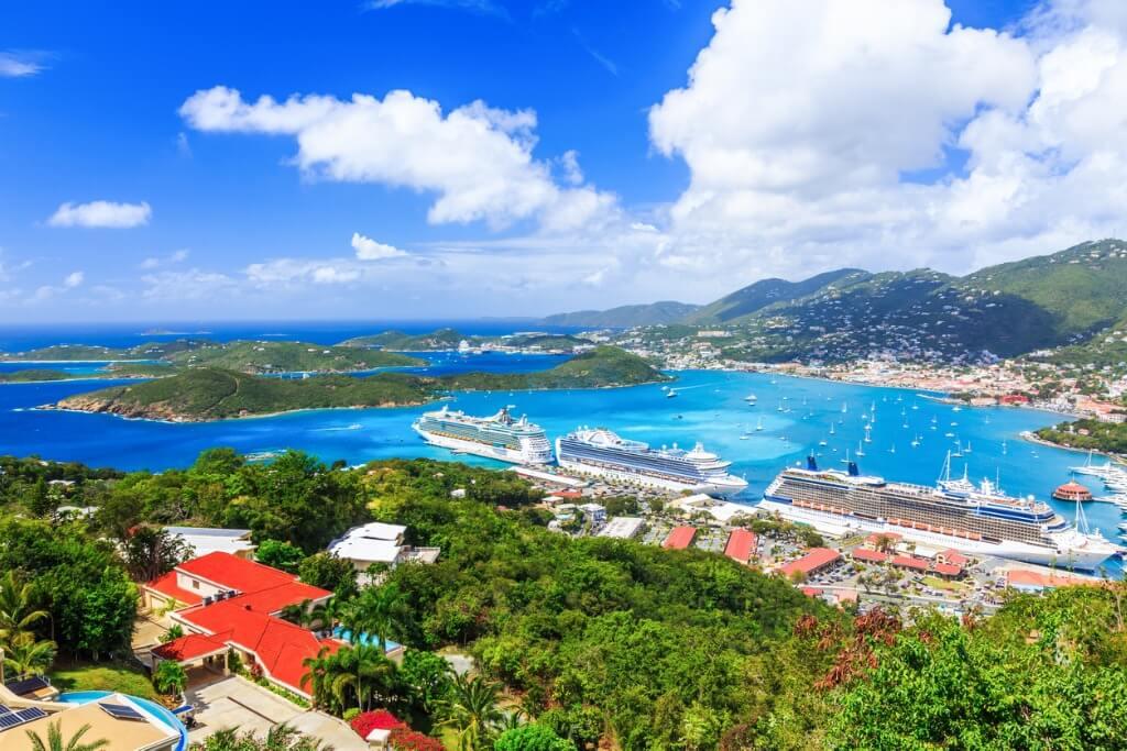 Cruceros por el Caribe y Antillas, Barcos llegando a la costa