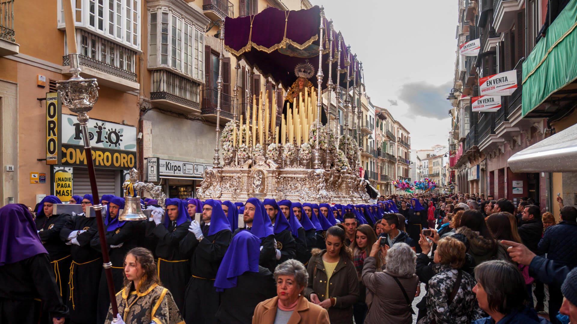malaga en semana santa procesion