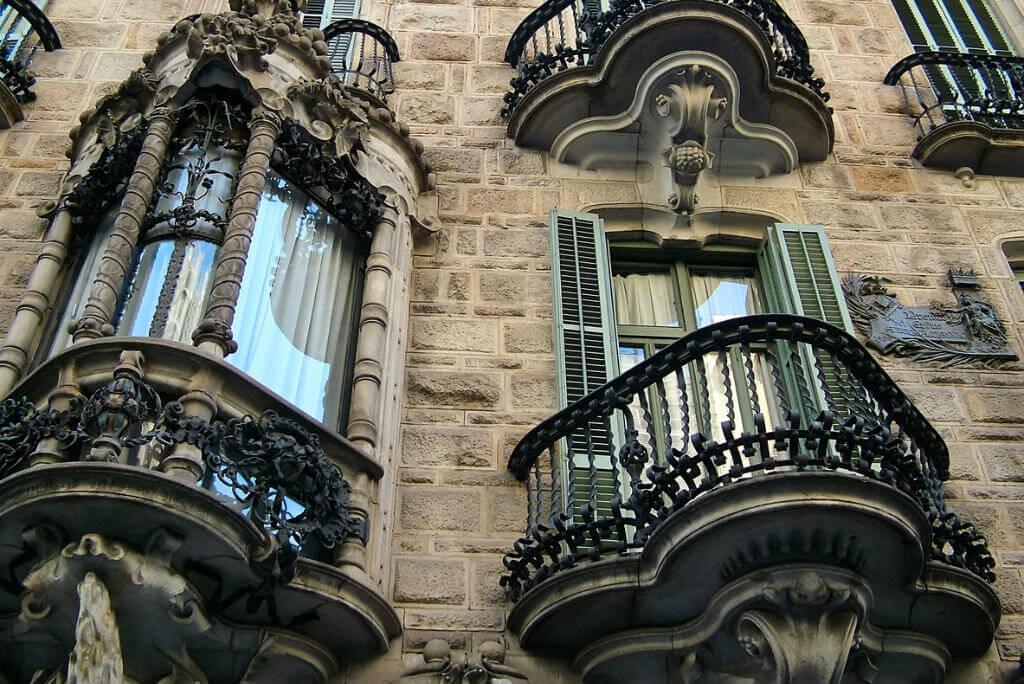 Gaudí en Barcelona, Casa Calvet