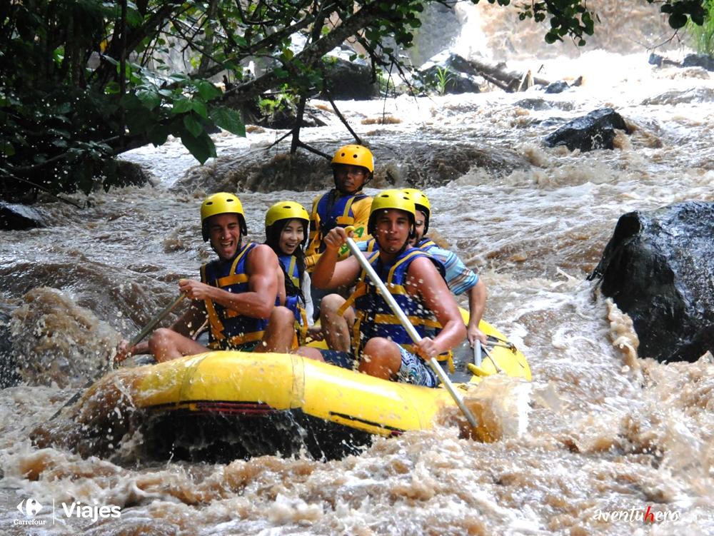 Rafting en el río Telaga Waja