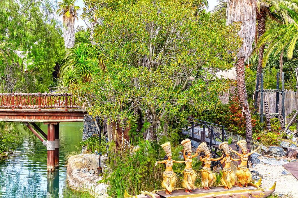 Tiendas Port Aventura, Parque temático Salou