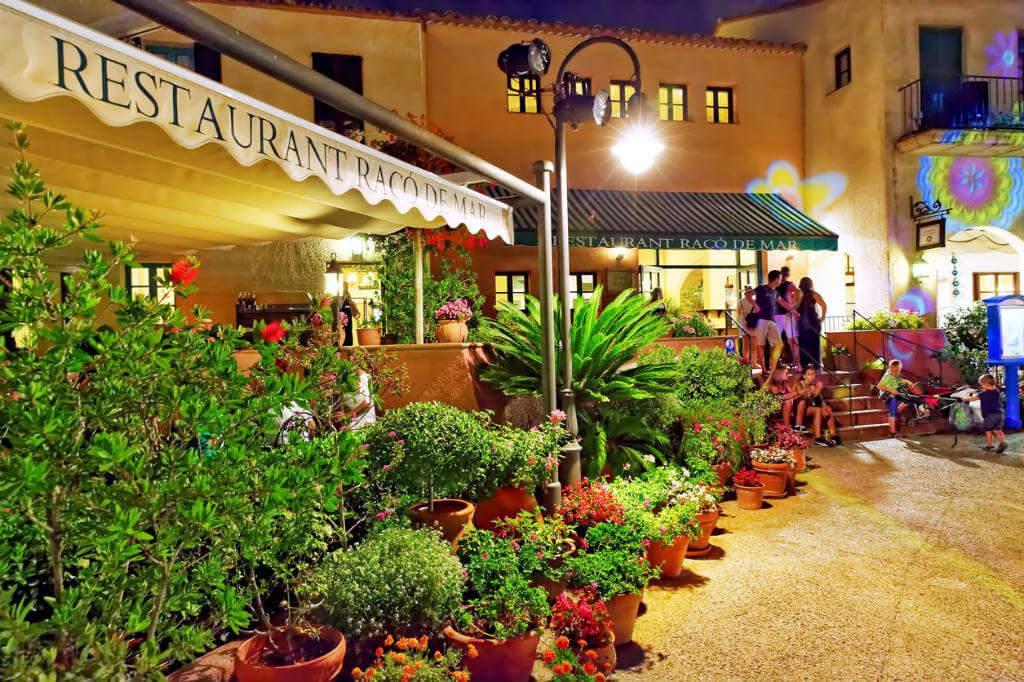 Tiendas Port Aventura, Zona de restaurantes
