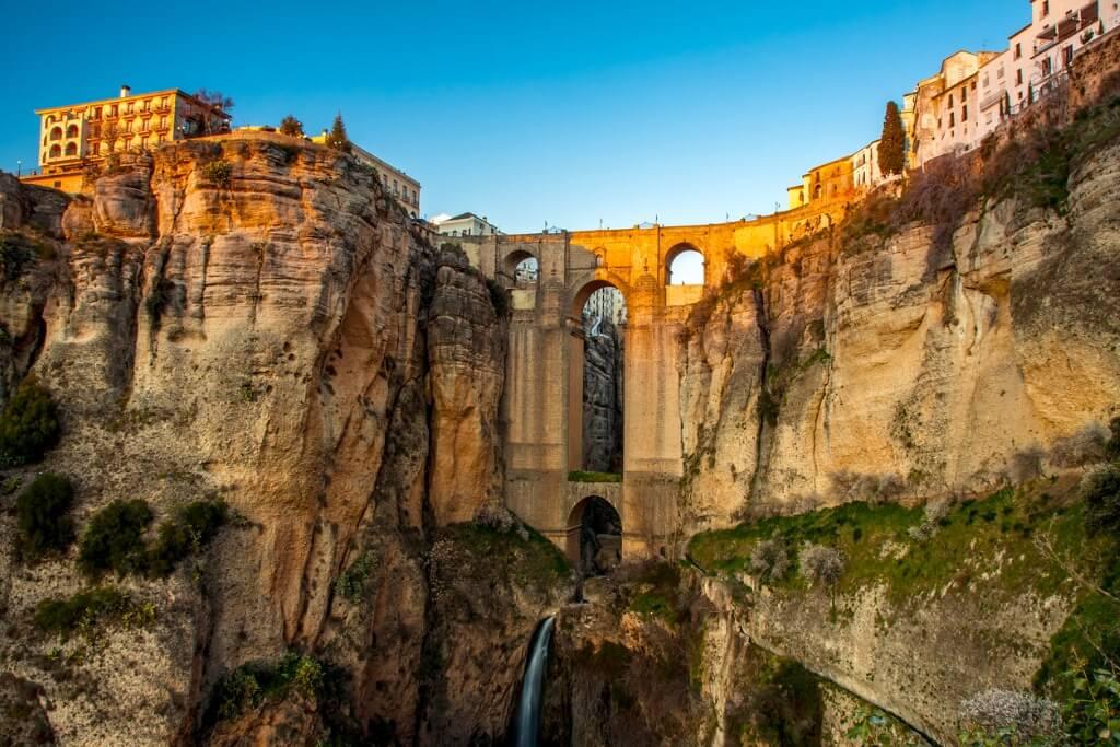 Pueblos de montaña, Ronda
