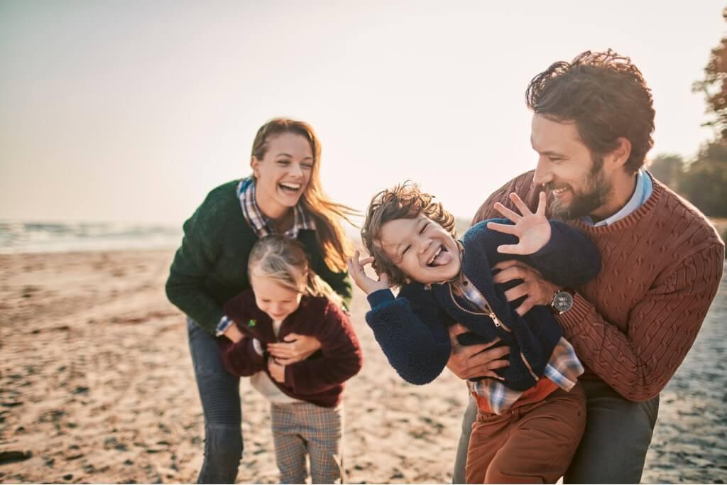 Trucos de viaje, Familia en la playa