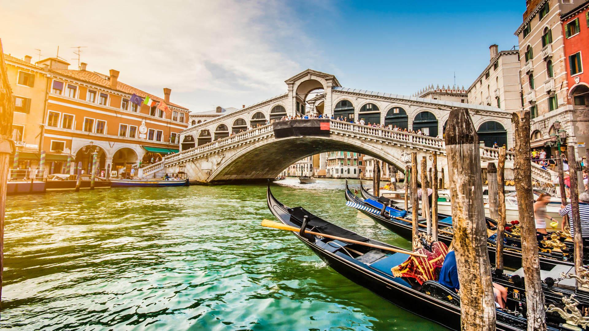 viaje a venecia gondolas