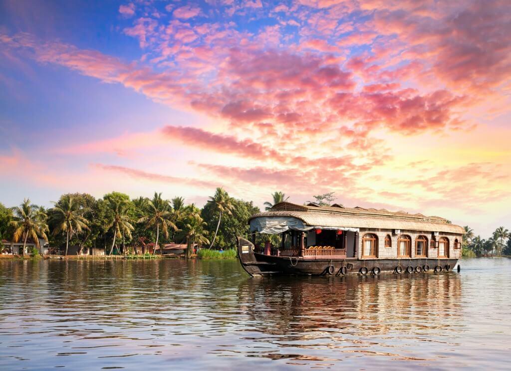 Consejos para viajar a India, Embarcación