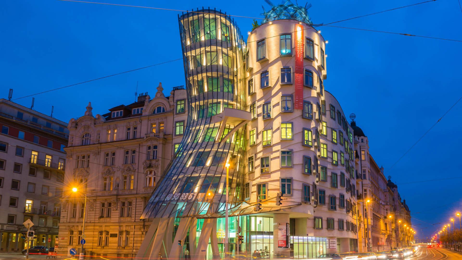 edificios raros europa casa danzante