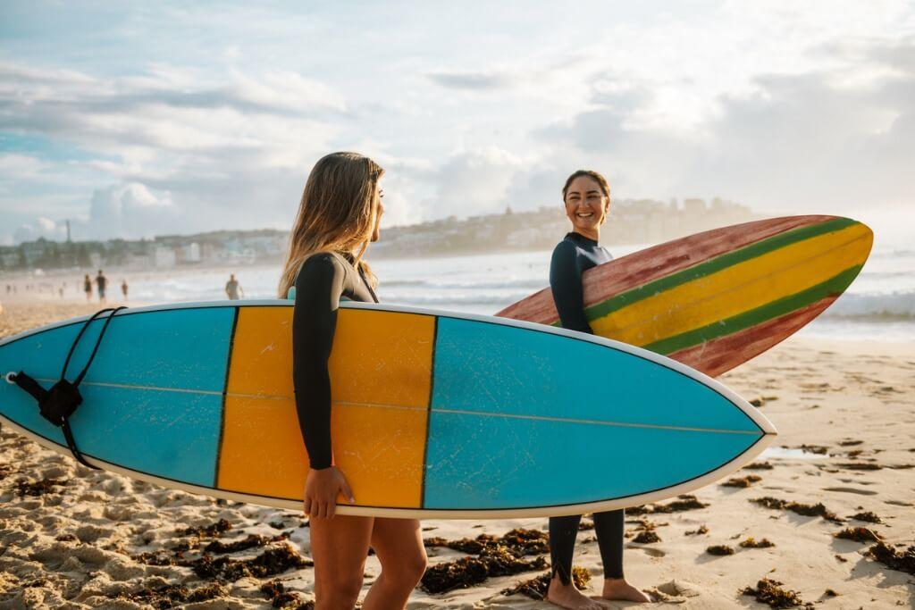 Amigas surferas
