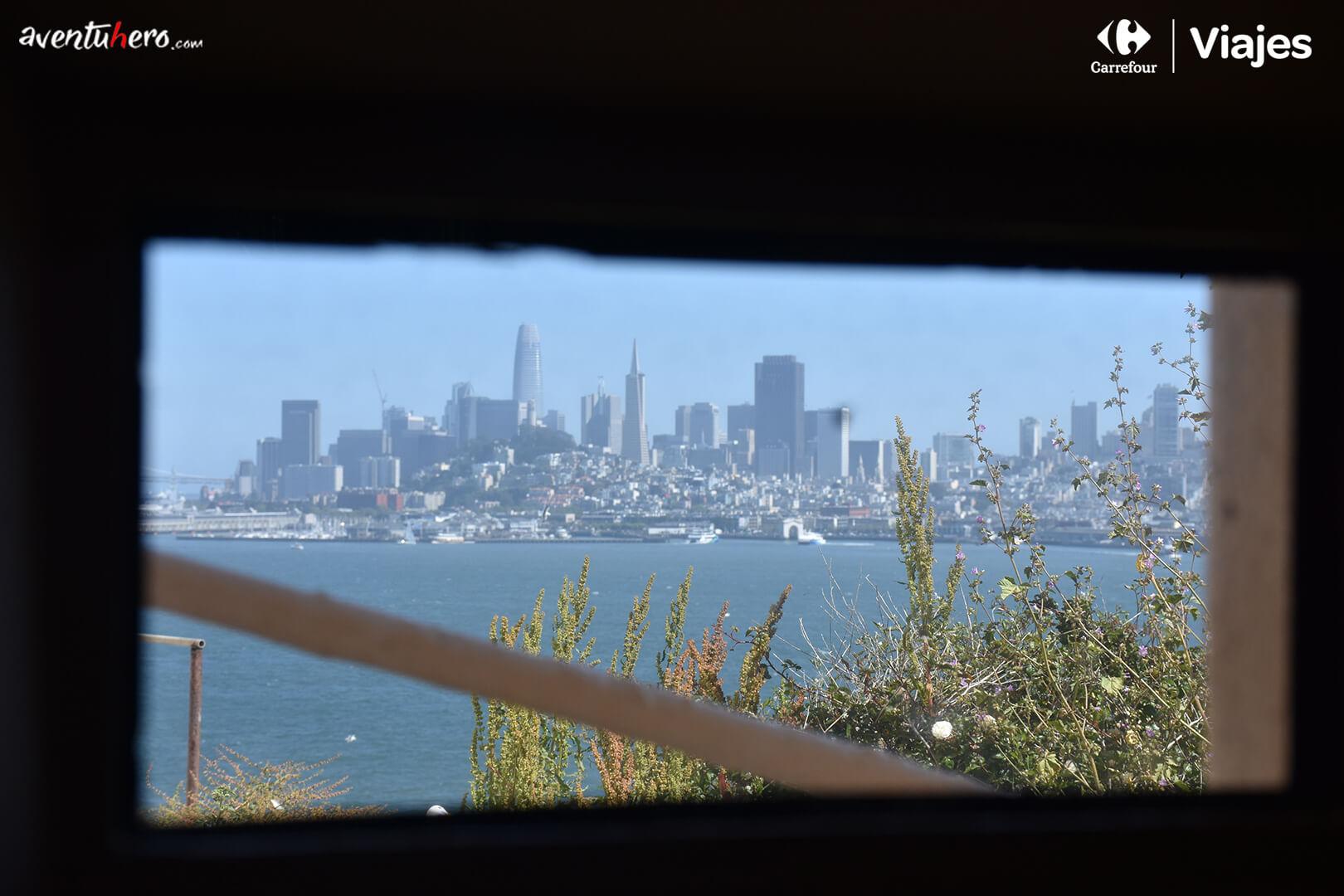 vistas desde una ventana de Alcatraz