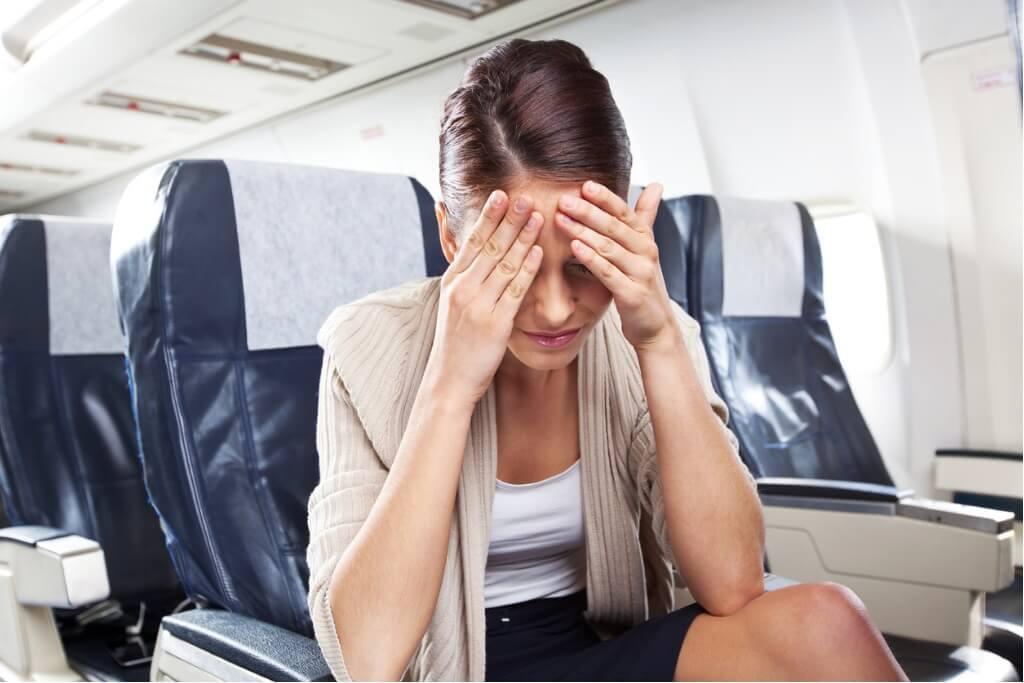 Dolor de cabeza en el avión