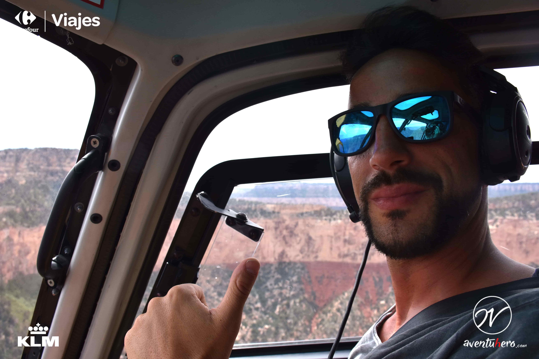 aventuhero en helicóptero