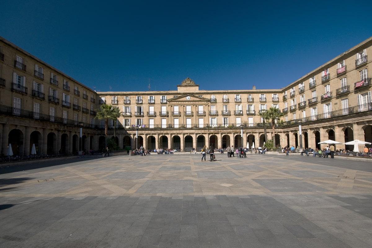 plaza-nueva-bilbao-min