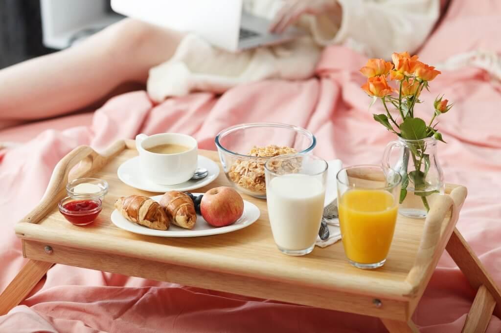 Servicio de desayuno en hotel