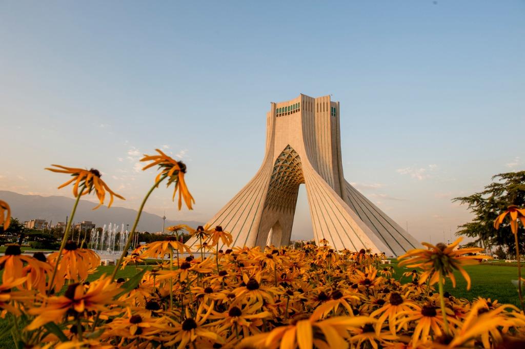 Torre Izadi, Irán