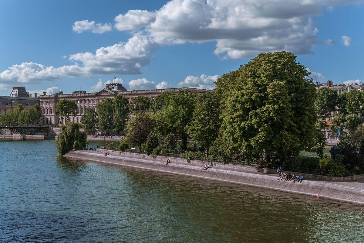Vistas de un parque en Paris durante el viaje de Algo que recordar