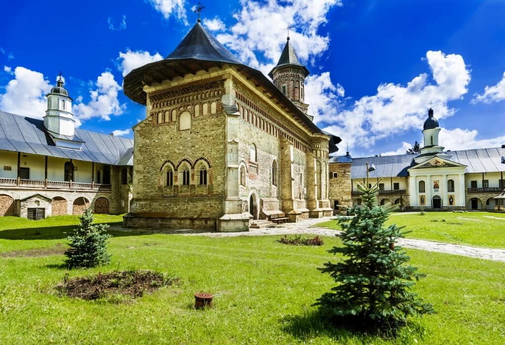 Iglesia de piedra, Bucovina