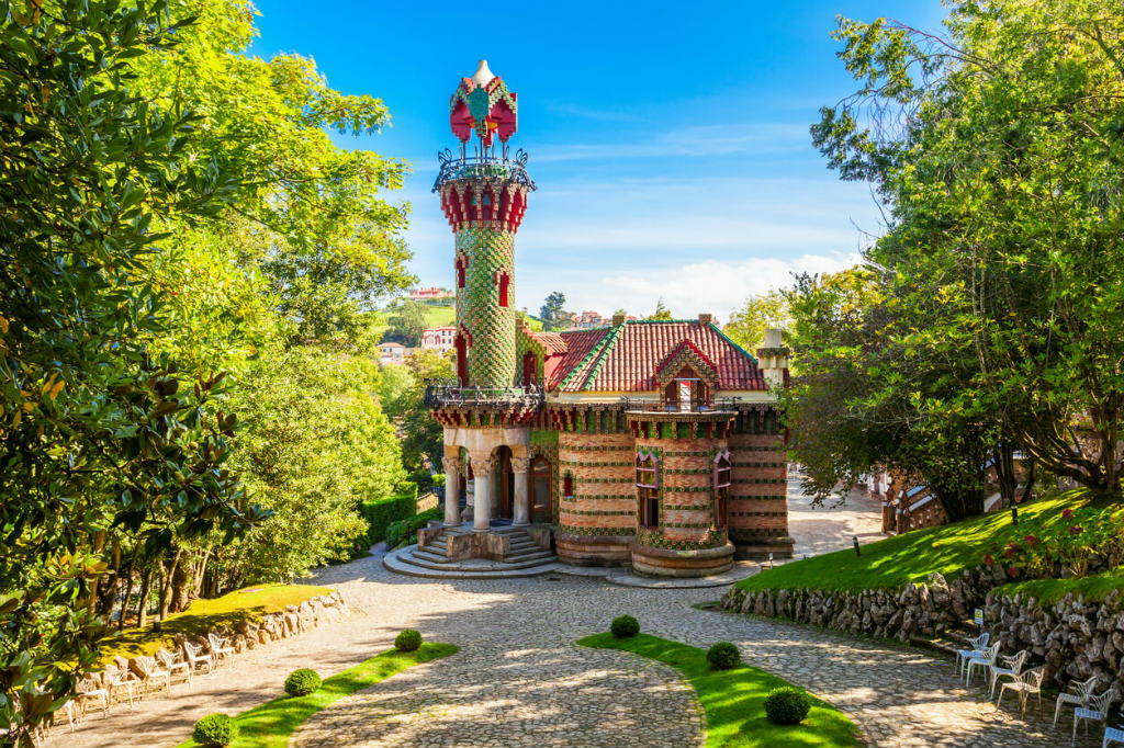 El Capricho, Gaudí