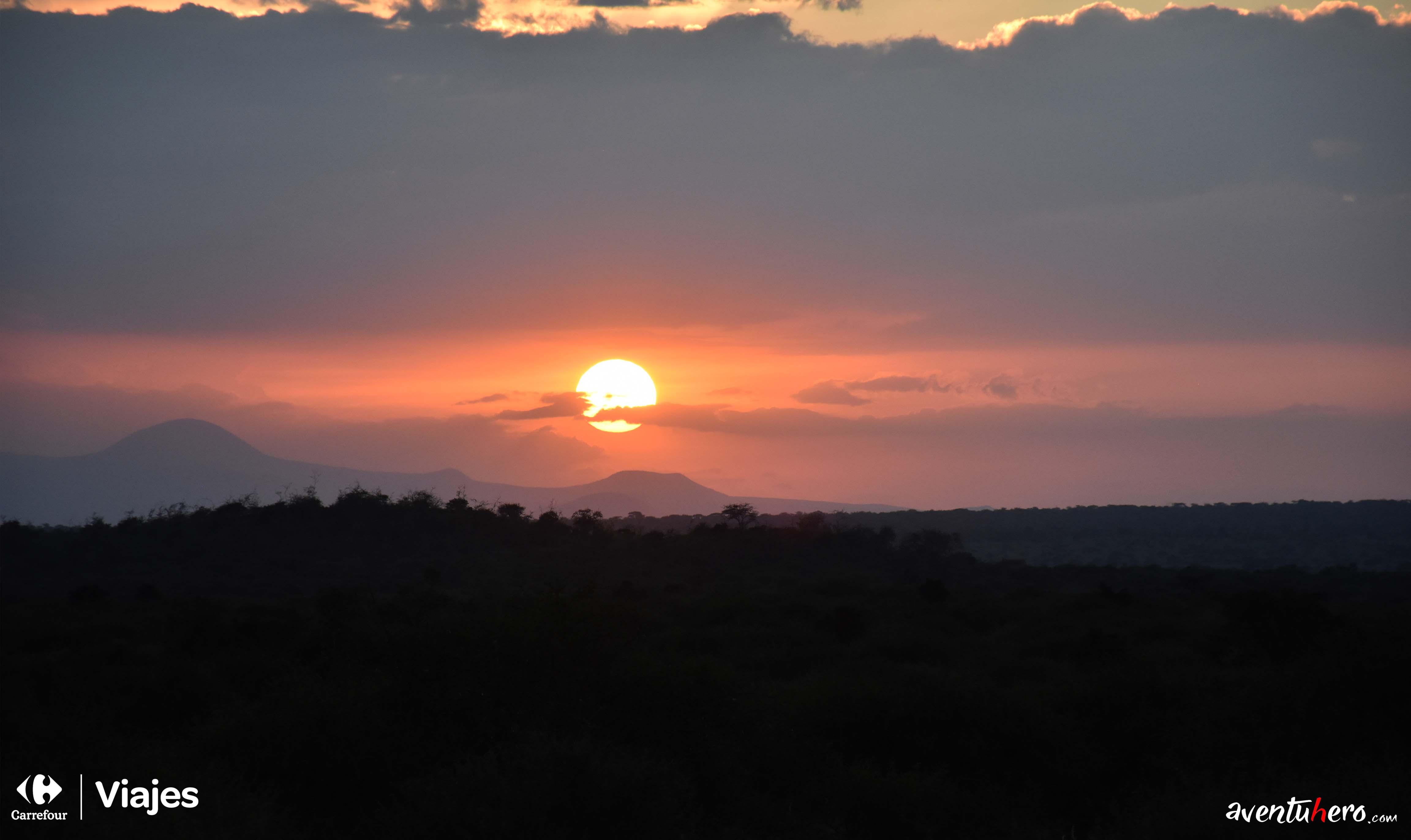 puesta de sol en la reserva Amboseli
