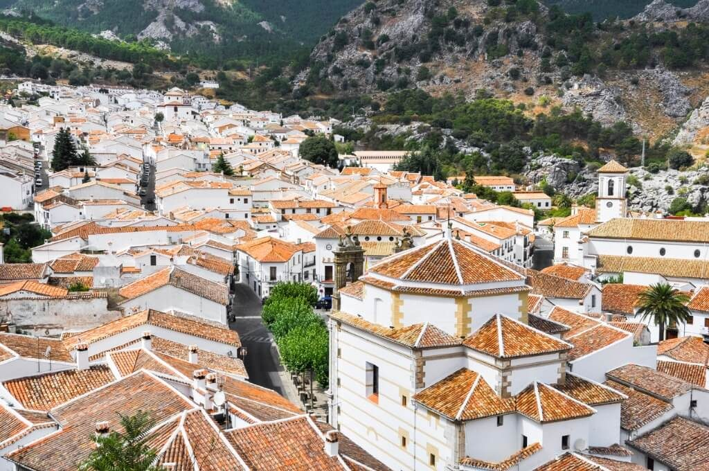 white-town-of-grazalema-cadiz